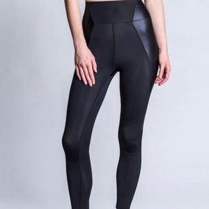 NWT Heroine sport stretch leggings